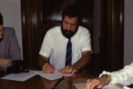 Michel Brancucci unterzeichnet Vertrag